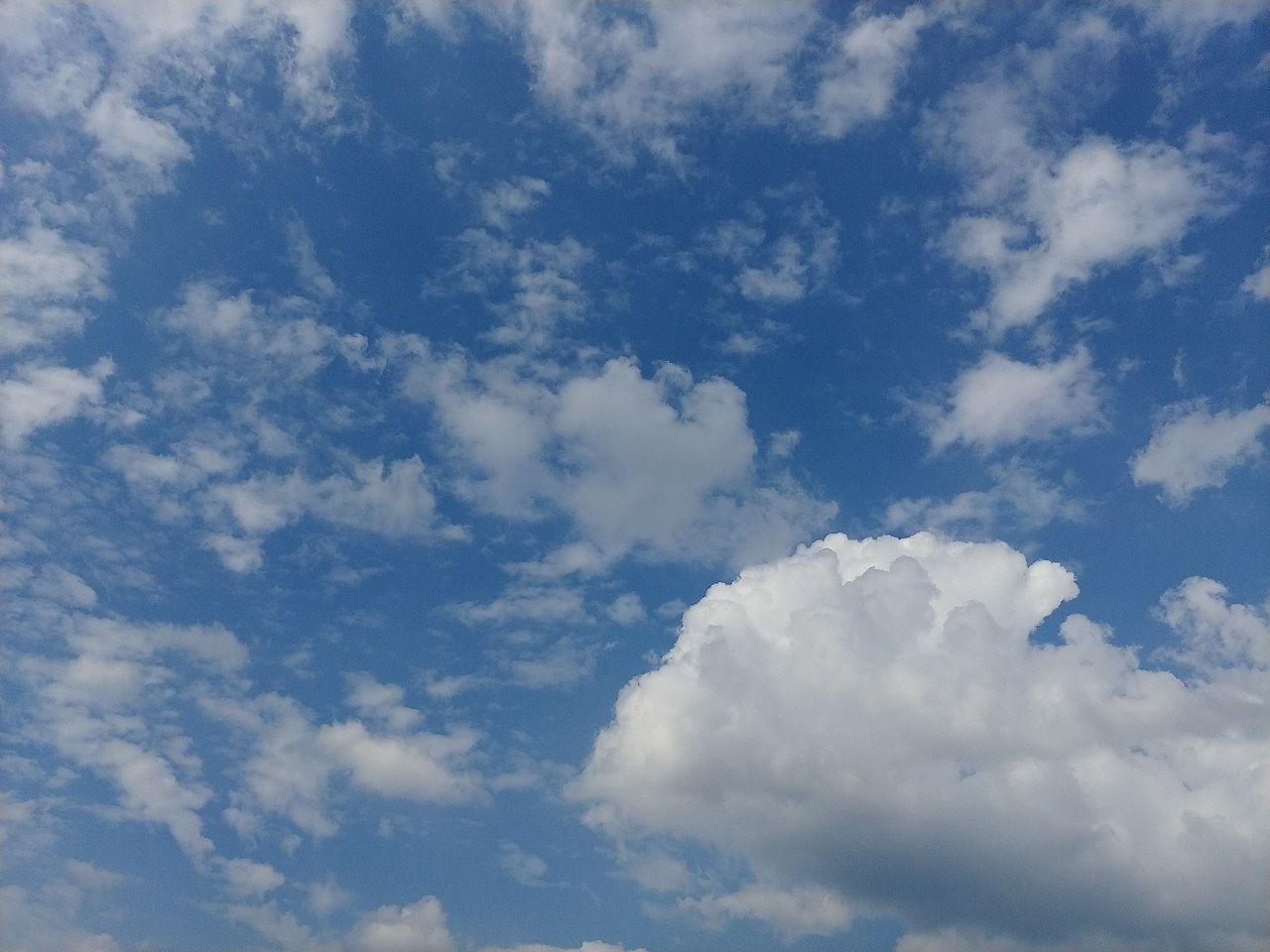 気持ちのいい真っ青な空