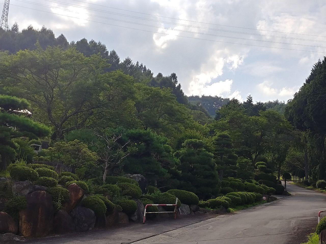 岡谷市内山霊園です