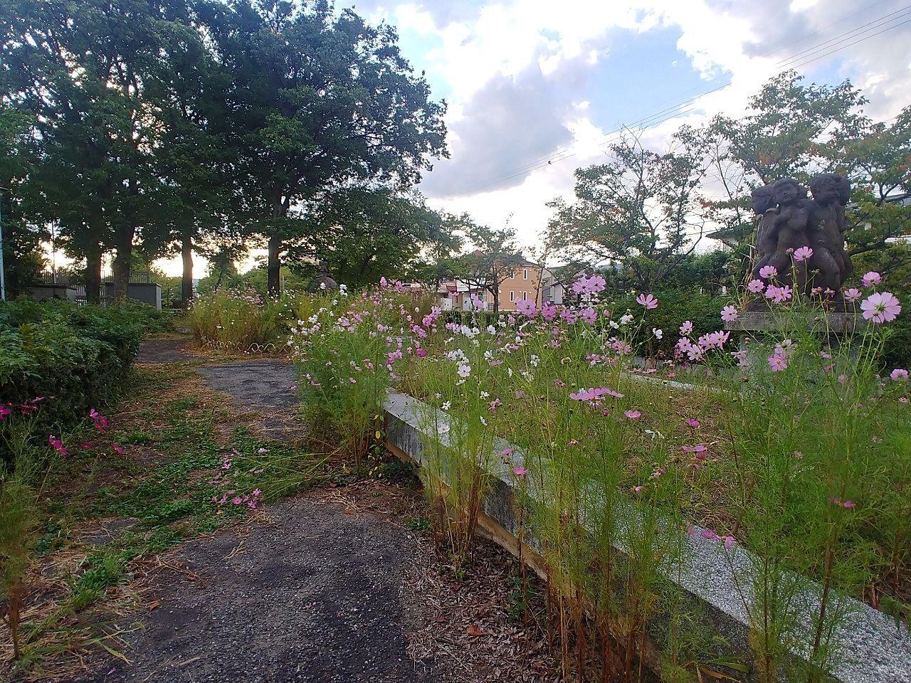 花木の噴水広場です
