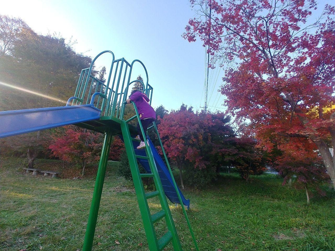 出早雄小萩神社に隣接した公園