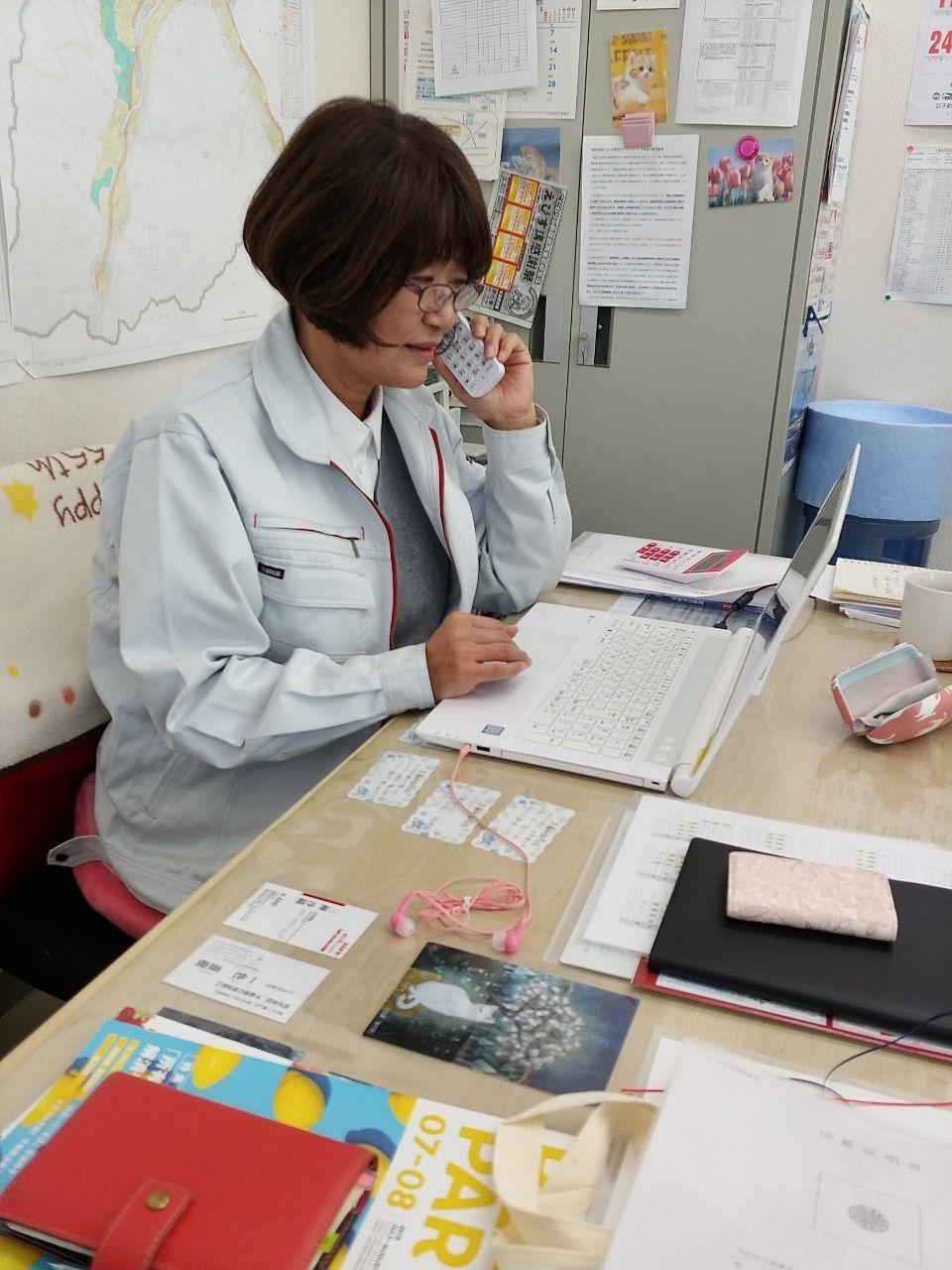スタッフ紹介第3弾は、当社のお母さん!!矢島洋子さんですヽ(´▽`)/保育士免許もお持ちの矢島さんは不動産業20年の経歴。陽気な人柄とマシンガントークで、相手の心をぐっと掴む頼もしいスタッフです✩