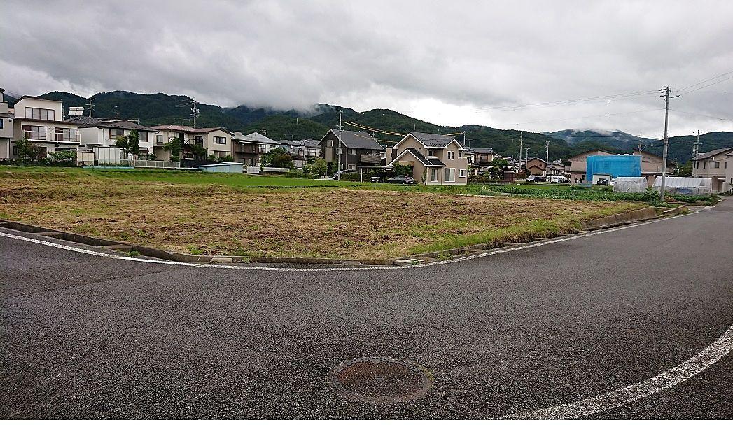 岡谷市道が縦横に通っています。