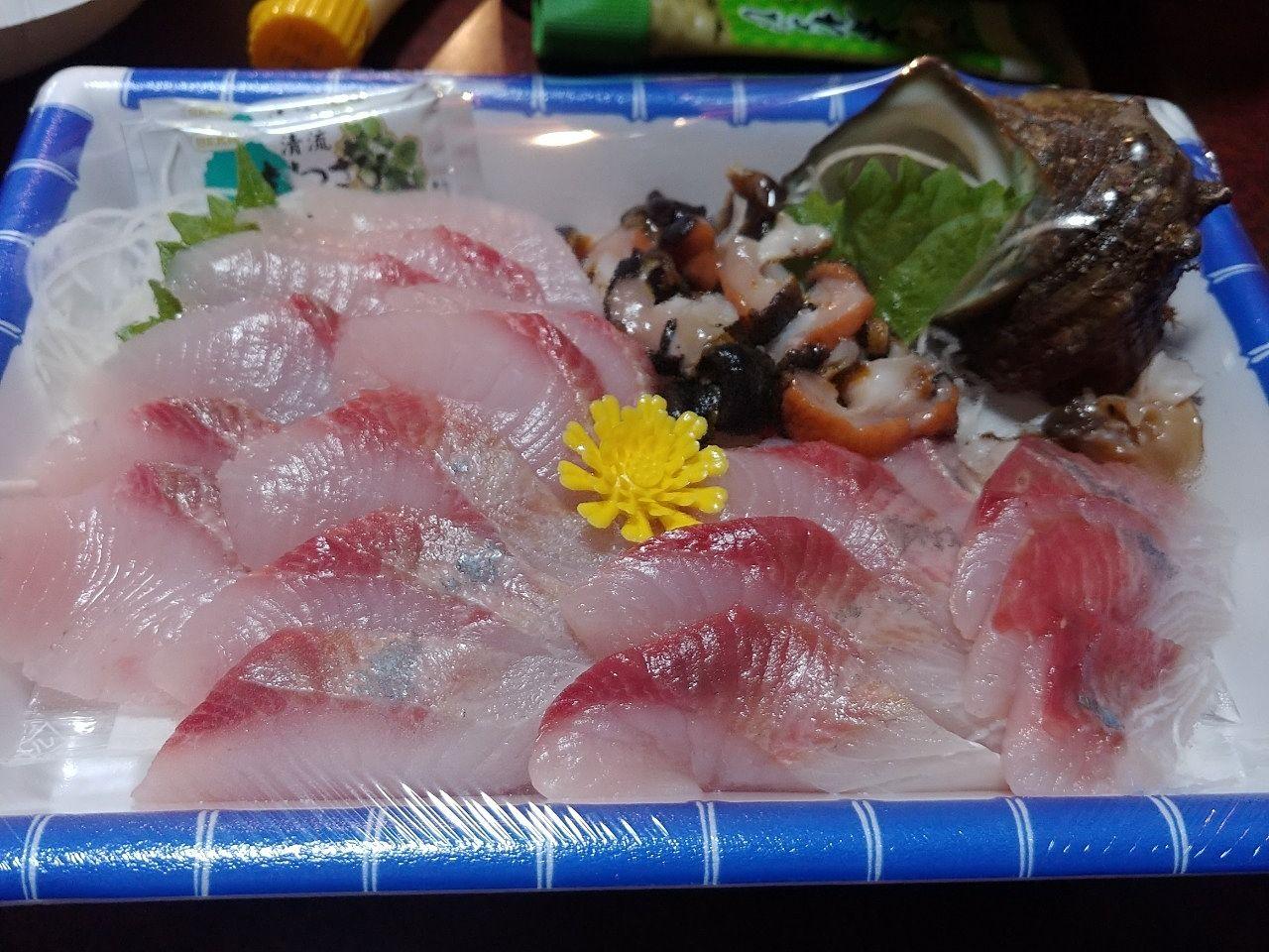 新鮮な海の幸を味わいます